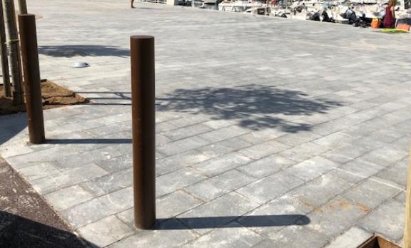 instalación pilonas tubulares